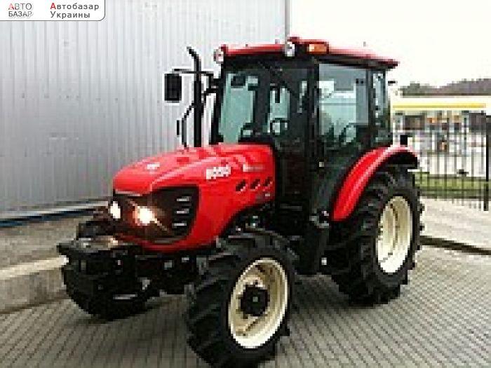 Фото - новый мини-трактор Branson 8050C.