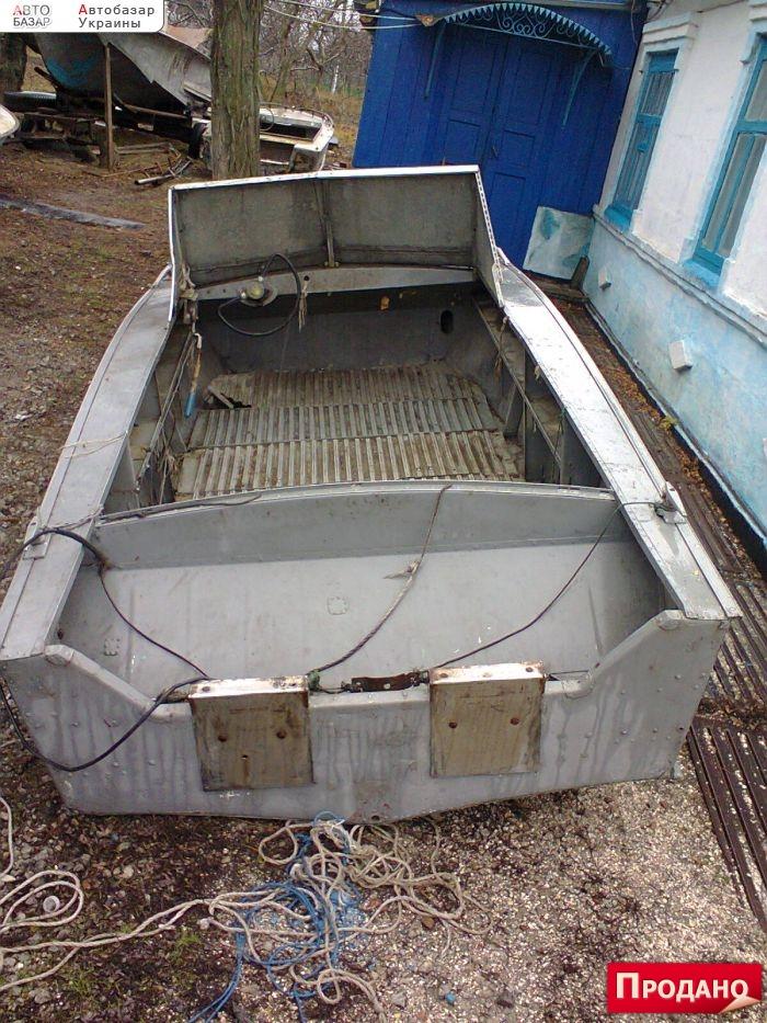 купит подержаную лодку